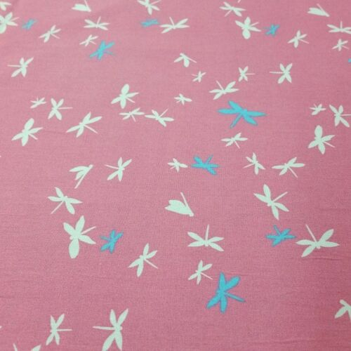 """Dressmaking Sewing 45/"""" Pink 100/% Cotton Dragonfly Print Fabric x 112cm"""