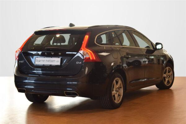 Volvo V60 2,0 D4 190 Momentum - billede 2