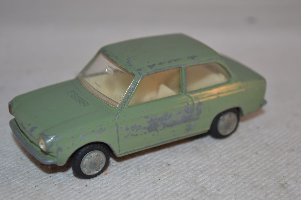 Lion Car DAF 46 Variomatic green in all original condition made in Holland