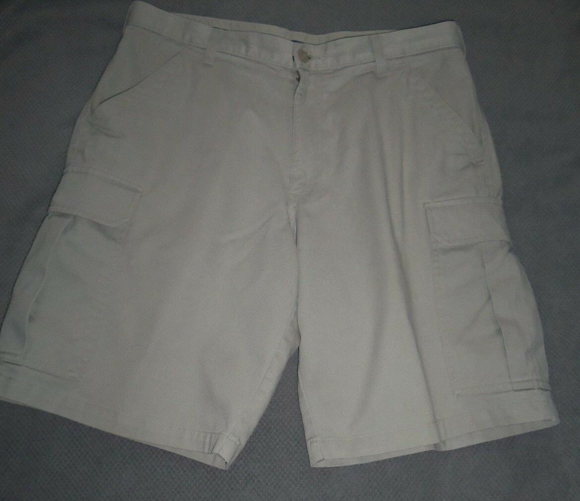 M&S blueE HARBOUR LIGHT PUTTY CARGO SHORTS SIZE 36   91cms - New - 100% cotton