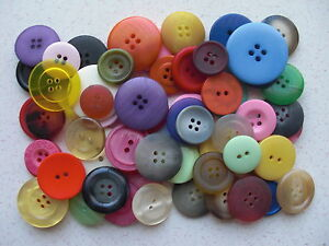 Large-buttons-mixed-medium-to-larger-sizes-and-mixed-colours-100g-bag