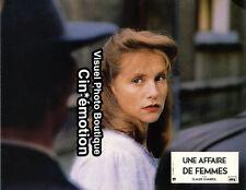 Photo Cinéma 21.5x27cm (1988) ISABELLE HUPPERT - Une Affaire De Femmes NEUVE b