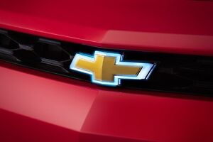 2018 chevrolet bowtie. beautiful bowtie image is loading 20162018chevroletcamaroilluminatedgoldfrontgrille for 2018 chevrolet bowtie