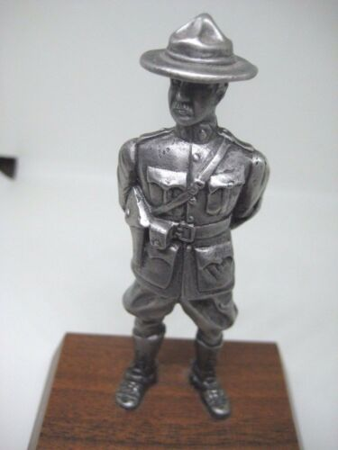 ROYAL CANADIAN MOUNTED POLICE METAL SYMBOLIC STATUE 12cm approx EXCELLENT