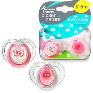 Tommee Tippee Closer to Nature 0-6 Month Everyday Pacifiers 2pk Girl baby