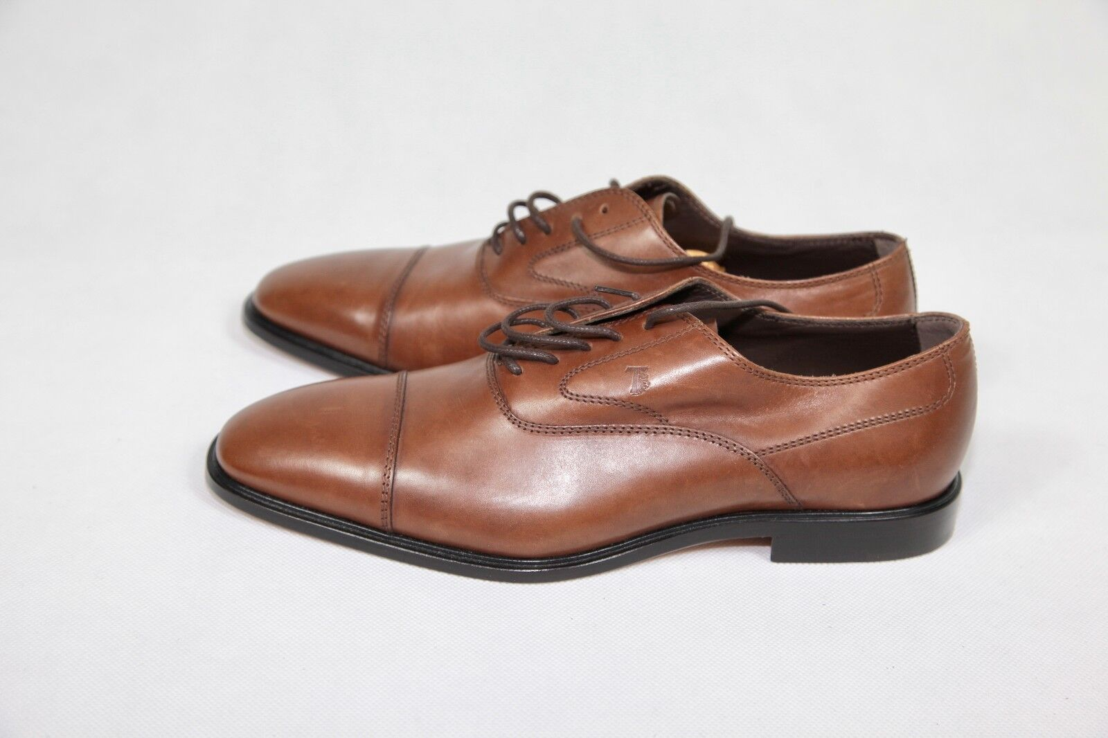 Tod's Tods New sz IT 7.5 US 8.5 Auth Leather Lace Up Cap Toe Derby shoes