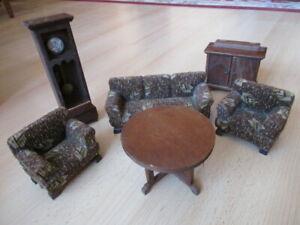 Wohnstube Wohnzimmer Komplett Standuhr Sofa Sessel Puppenstube Holz Um 1920 Mit Den Modernsten GeräTen Und Techniken Puppenstubenzubehör