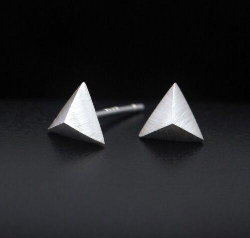 925 Sterling Argent Triangle Pyramide Dot Petit post Boucles d/'oreille Cadeau 6 mm S4