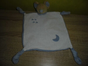 Mouse Blankie Snuggly Scarf Comforter technologically
