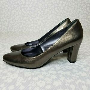Etienne-Aigner-HAVEN-Bronze-Pump-Chunky-Heel-Patent-Leather-Size-7-5