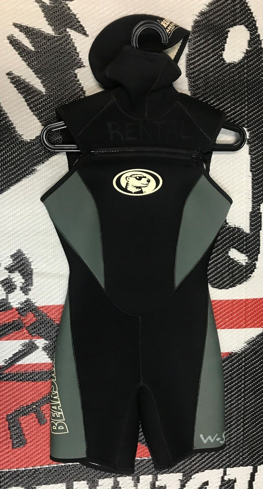 USED Women's Bear Skin 5 mm hooded  Titanium Shorty Wetsuit  cost-effective
