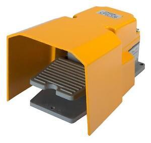 Fussschalter-LTH-1-6-mit-Schutzhaube-Trittschalter-Fusspedal-Schalter-Fernschalter