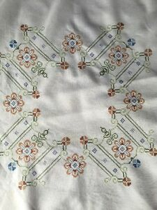 BEAUTIFUL Antique linen Cross Stitch tablecloth hand embroidered VTG Fabric - <span itemprop=availableAtOrFrom>Manchester, Greater Manchester, United Kingdom</span> - BEAUTIFUL Antique linen Cross Stitch tablecloth hand embroidered VTG Fabric - Manchester, Greater Manchester, United Kingdom