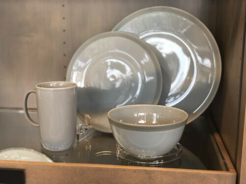 Vera Gradients Mist by Vera Wang 4 Piece Place Setting *NEW*