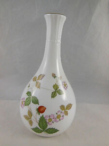 Wedgwood Wild Strawberry Bone Oven To Table Vase Vines Pink Blossoms
