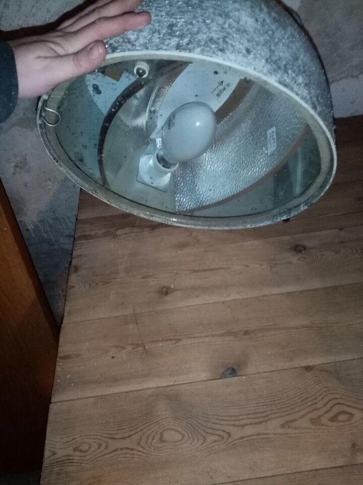 Anden loftslampe, Københavner lampe