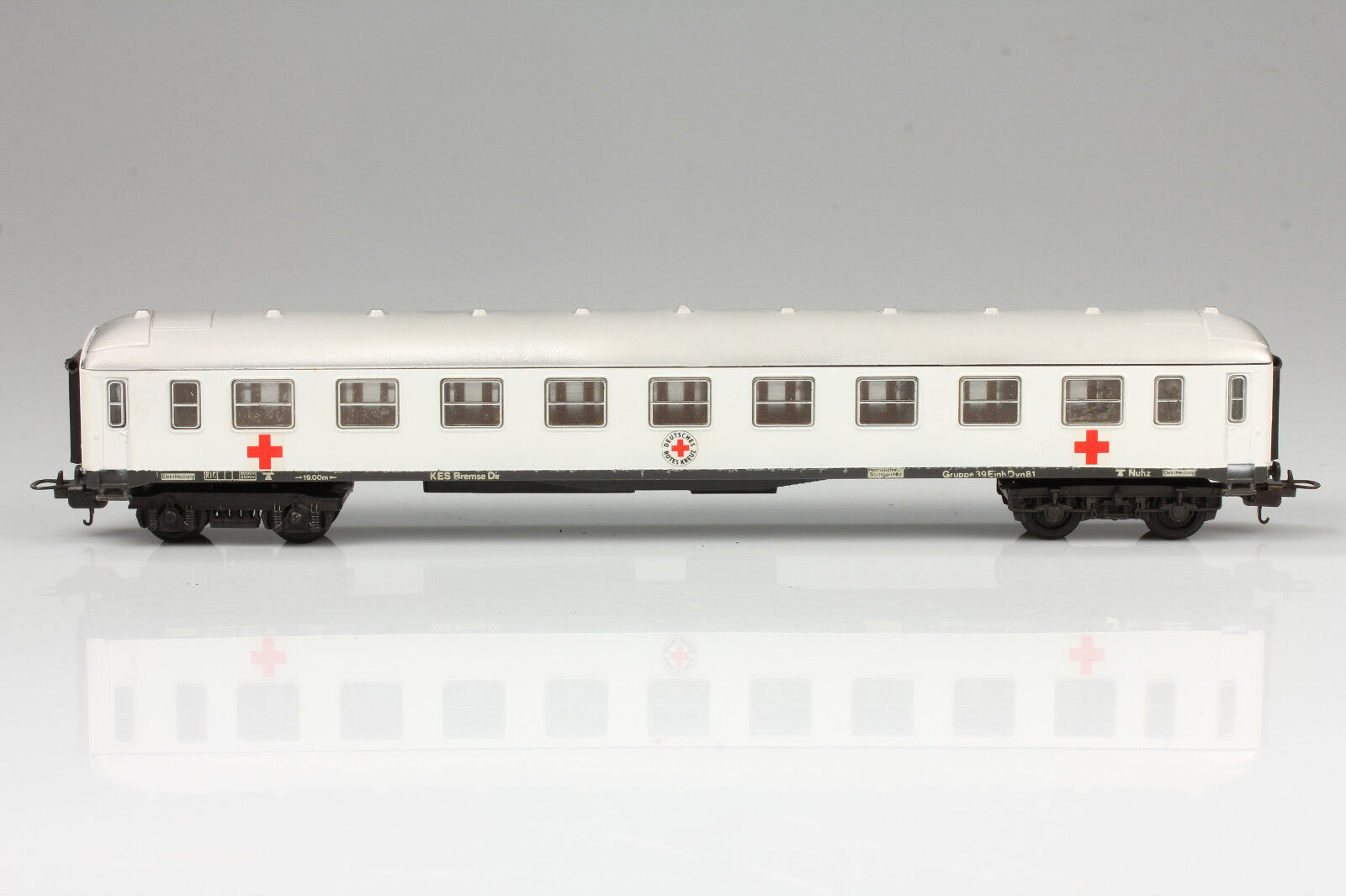 H0 Football Passenger Car on Lima Chassis Usable - Dirt Scratches