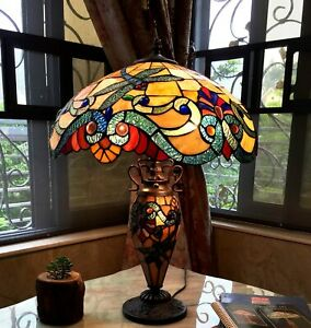 Tiffany-Style-Table-Lamp-2-Lite-Lit-Base-Blue-Dragonfly-Amber-Red-Stained-Glass