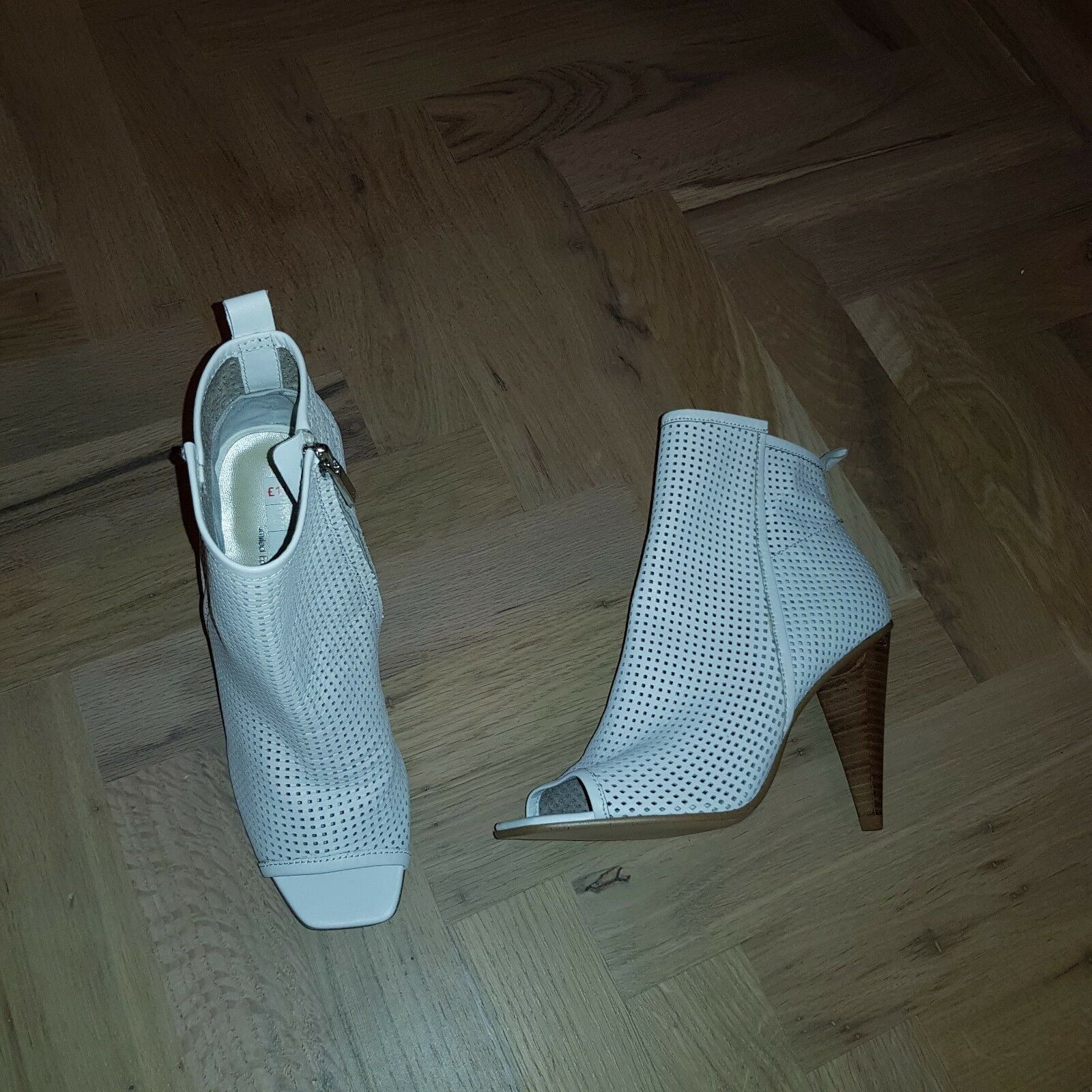 Karen Millen White Leather  shoes Boots 37 Uk 4