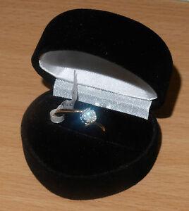 Nuevo-9-CT-15-pinta-oro-anillo-de-compromiso-de-diamante-ex-High-Street-solitario-Look