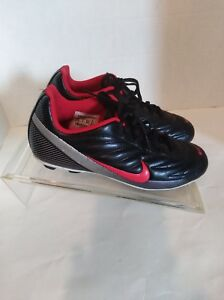 Nike Youth Soccer track cleats size 4