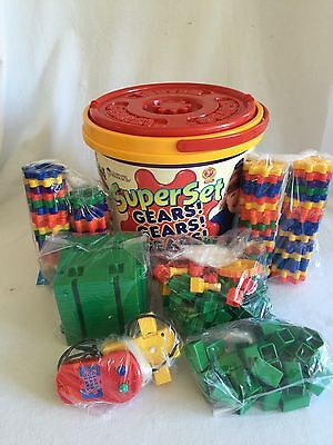 Gears! Super Bucket w/ Motor 147 Pieces Learning Resources