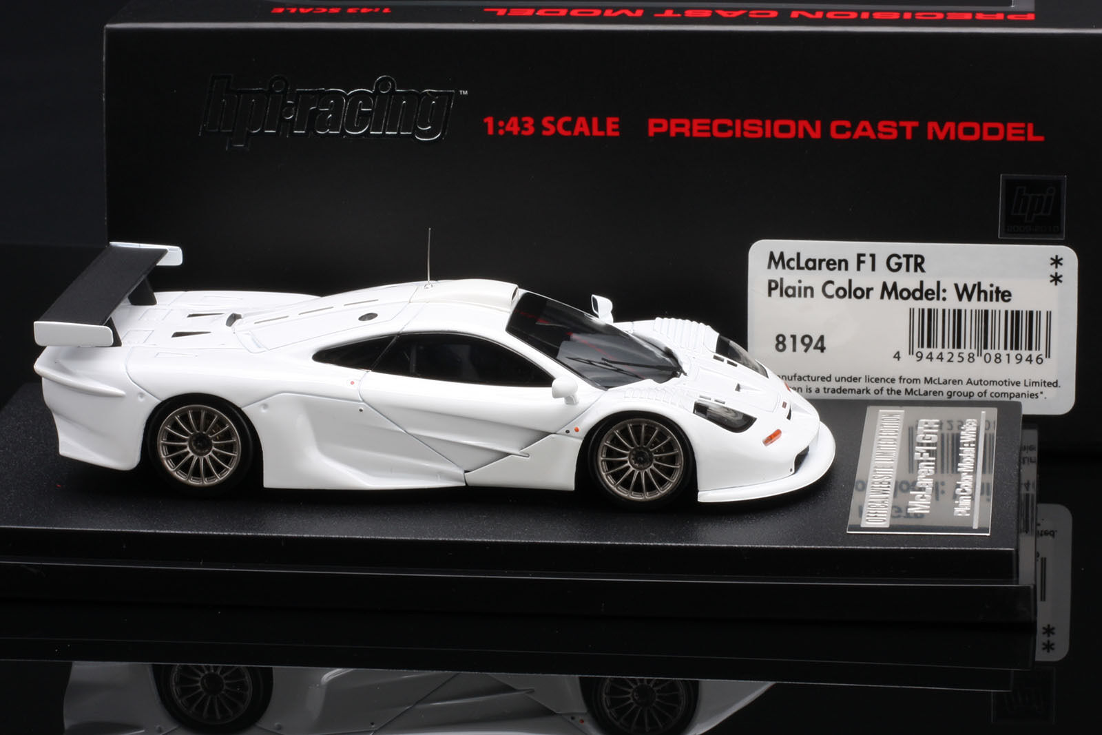 McLaren F1 GTR -- White -- Limited Edition -- HPI  43
