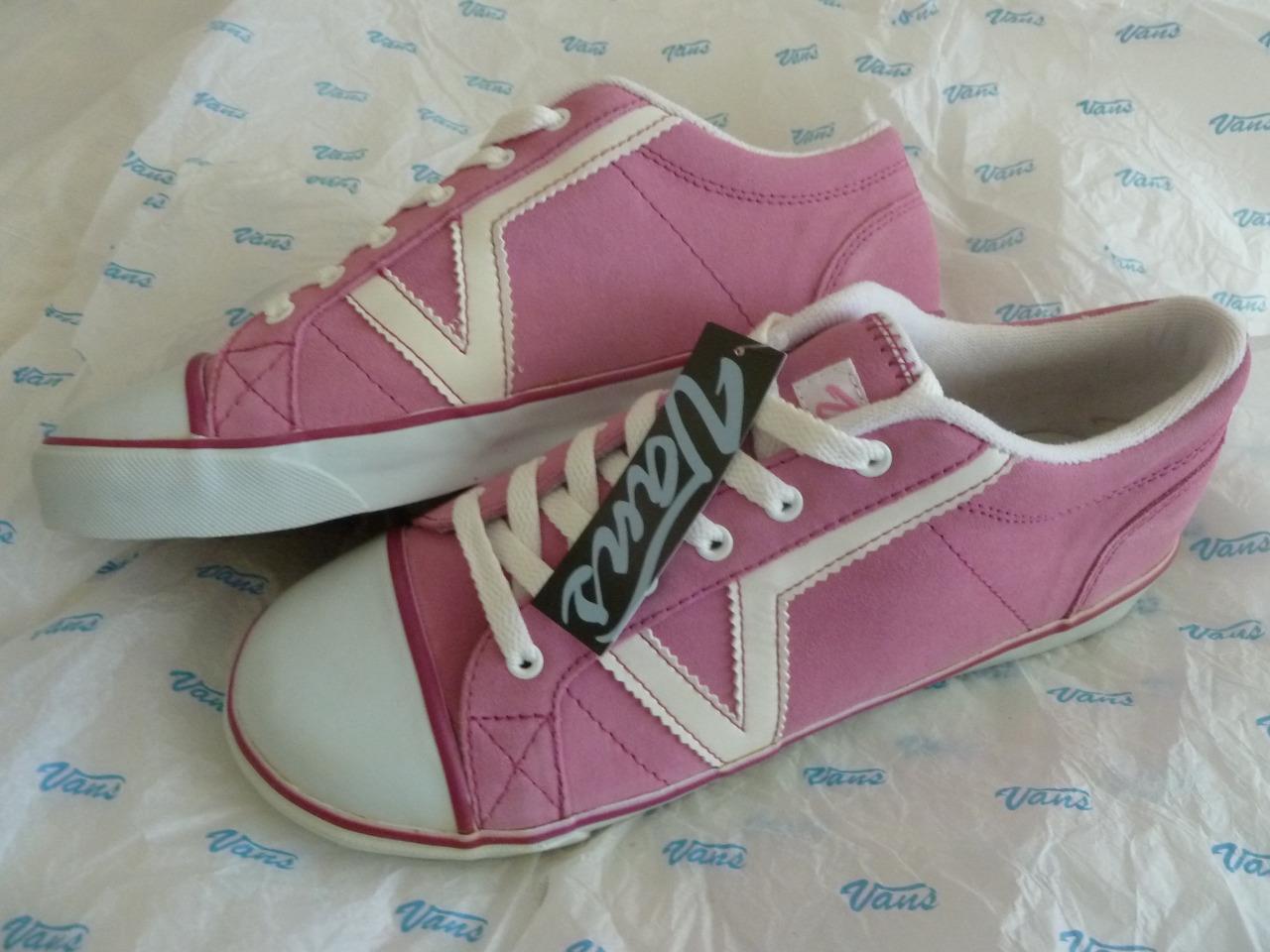 NWT VANS femmes  11 Rose rose Suede Old Skool Lace Up Sneakers  Chaussures blanc  V Trim
