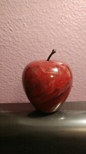 Vintage-Red-Marble-Apple-Paperweight-Heavy-Decorative-Gift