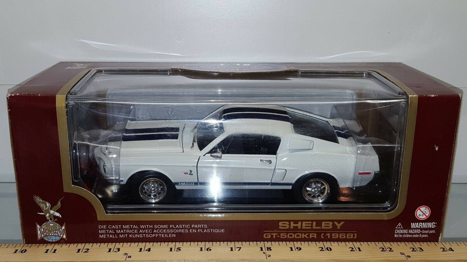 1 18 YATMING ROAD LEGENDS 1968 SHELBY GT-500KR WHITE with DARK blueE STRIPE rd
