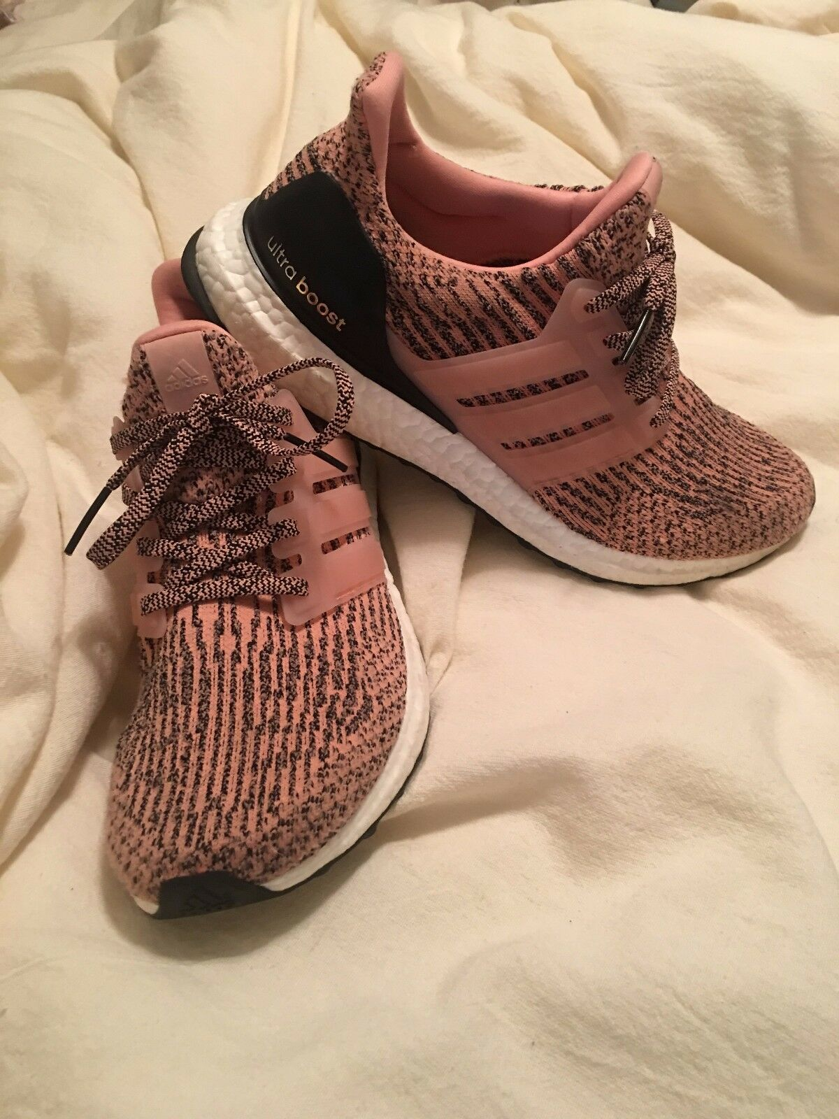 Pre-Owned Women's Pink Ultra Boosts  Barely Worn and in great condition.