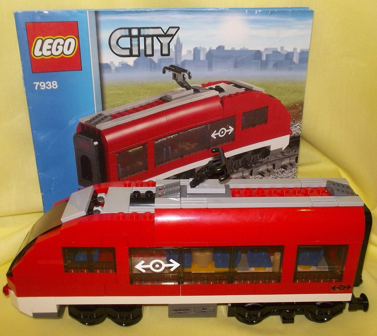 LEGO TRAIN REAR PASSENGER CARRIAGE FROM 9V RC PASSENGER TRAIN SET 7938
