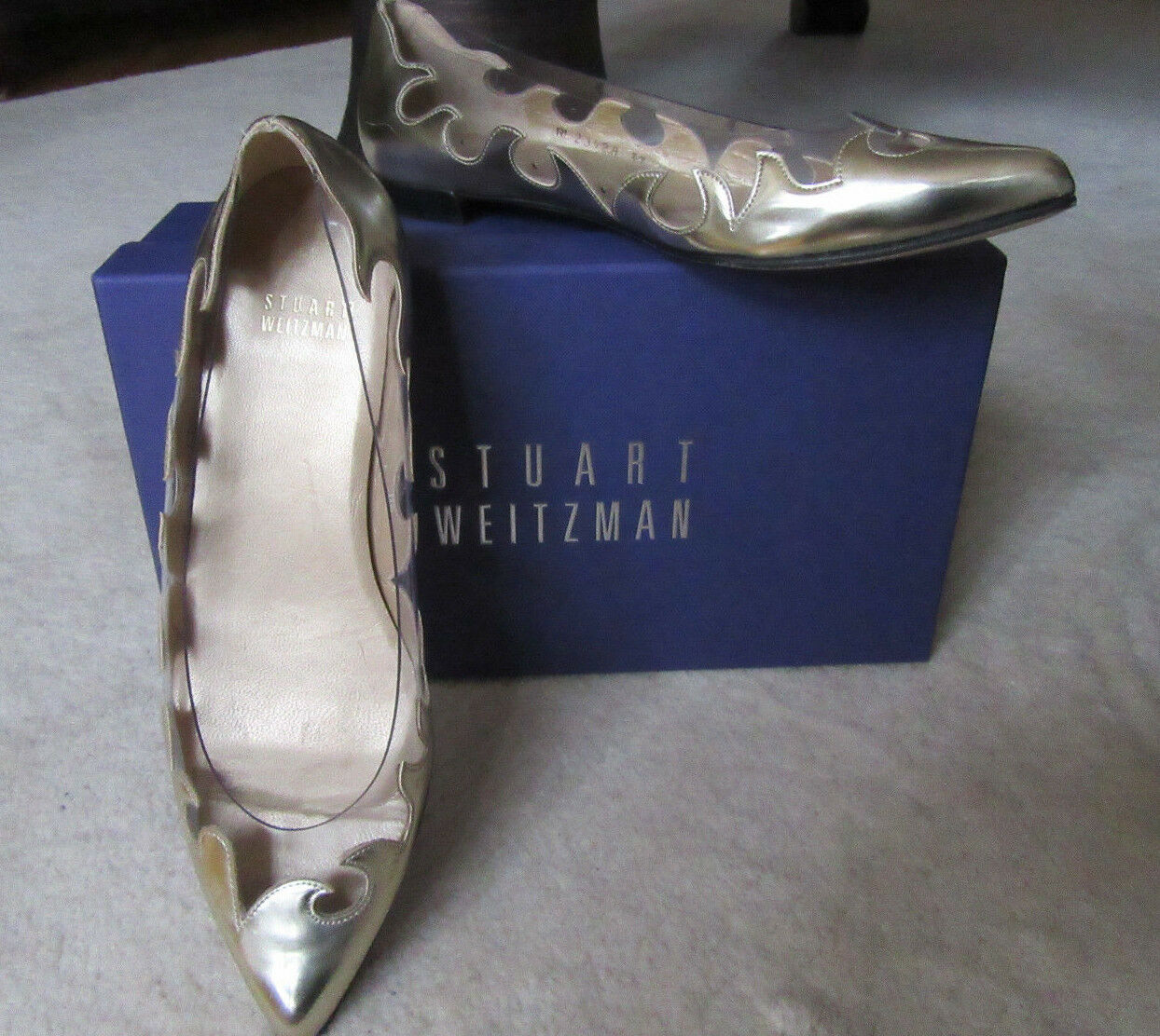 Stuart Weitzman Women gold And Gelati Flats Size 6.5M