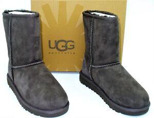 Ugg-Australia-K61-Classic-Short-II-Boots-Waterproof-Chocolate-Suede-Kids-SZ-13