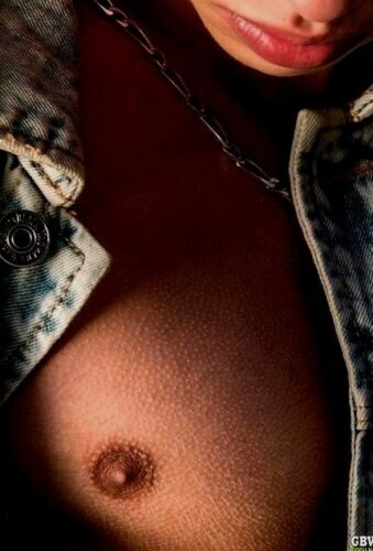 Shirtless Male Muscular Hunk Close Up Nipple View Shot PHOTO 4X6 D750
