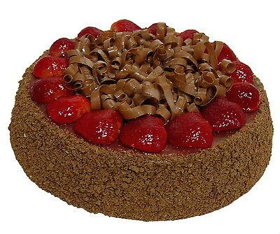 Attrappe Schokoladentorte mit Erdbeeren -  künstliche Torte Kuchen Dekoration