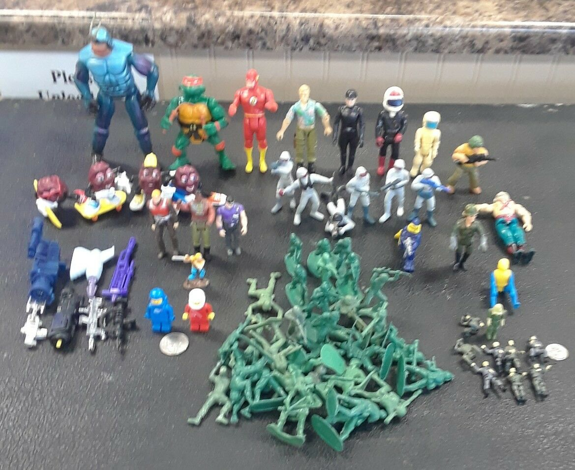 Mixed Lot of 77 DC, Mattel, M.I.,Playmate,Hasbro Figures Figures Figures & Accessories f23aae