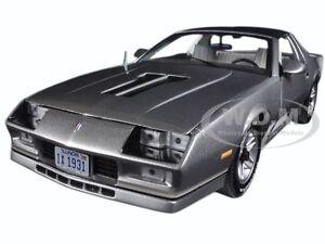 1982 Chevrolet Camaro Z 28 Silver 1 18 Diecast Model Car