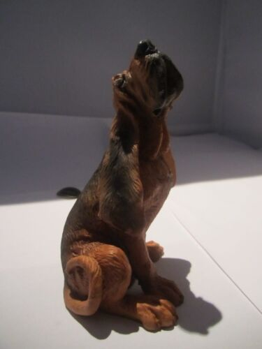 Bloodhound dog figure howling Castagna hand made in Italy with certificiate