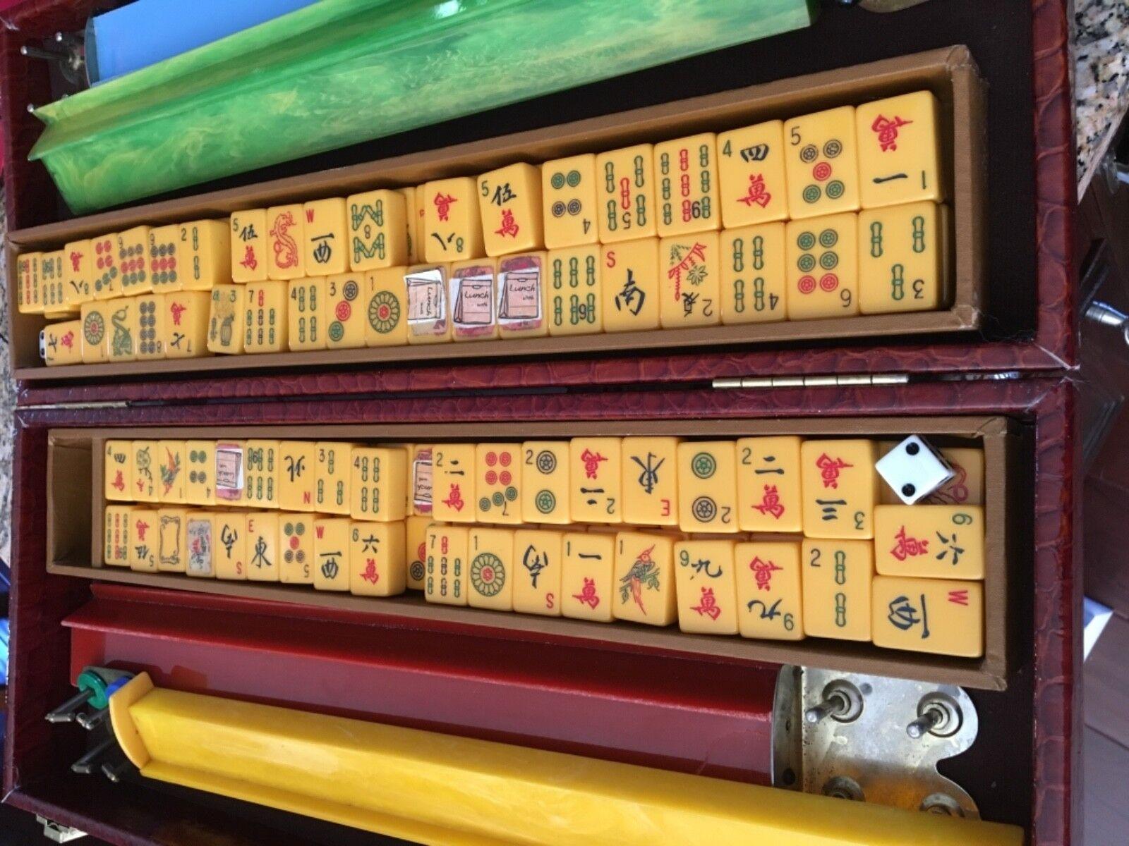 VINTAGE MAH JONGG 152 pc Bakelite Ivory Color TILE SET 4 TRAYS Game
