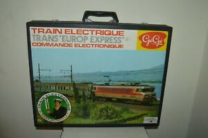 COFFRET-TRAIN-ELECTRIQUE-GEGE-TRANS-EUROPE-EXPRESS-VINTAGE-1970-HO-LOCOMOTIVE