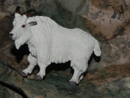 "Safari White Billy Goat Retired Figurine for 5.5/"" Nativity Scene Pesebre Cabra"