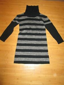 Robe-type-pull-Noir-et-argente-ML-T8ans-en-TBE