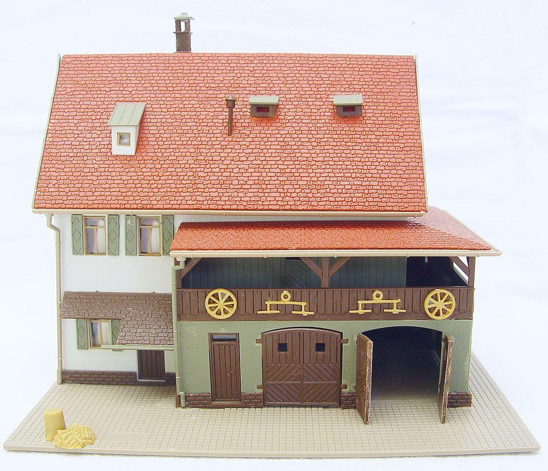 Vollmer HO 1 87 Large MODERN FARMHOUSE FARMHOUSE FARMHOUSE & SHED BUILDING House Ready Build Kit NM 70a8f6