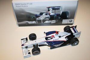 1-18-BMW-SAUBER-F1-09-R-KUBICA-2009-DEALER-BOX-MINICHAMPS