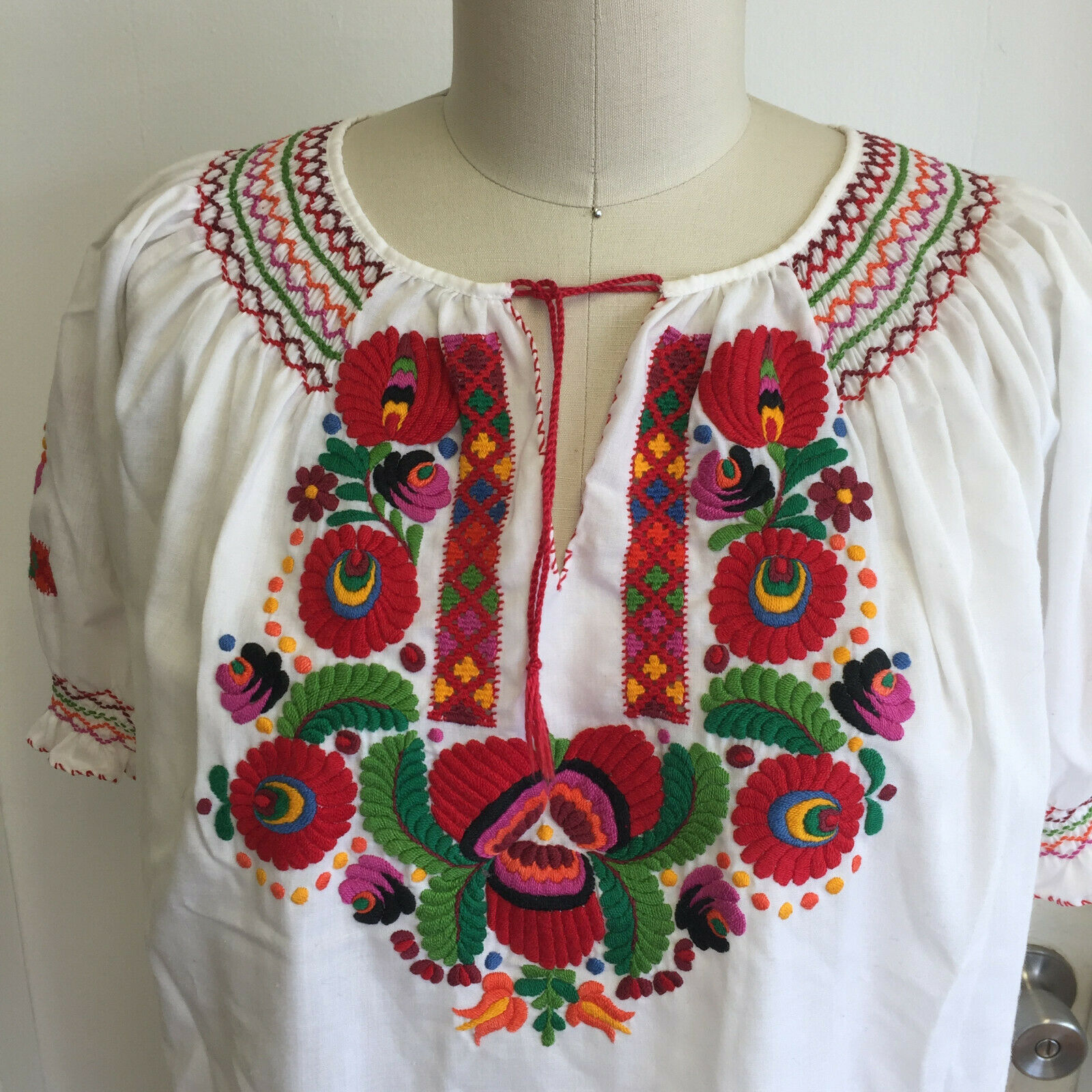Vintage Hungarian Blouse Embroidered Peasant Top … - image 3