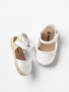 GAP Baby Girls Size 0-3 Months White