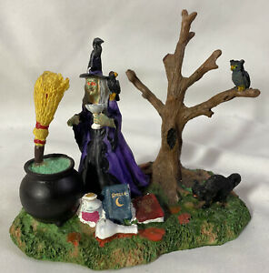 Lemax-Spooky-Town-Magical-Potion-83664-Halloween-Village-Accessory-Figure
