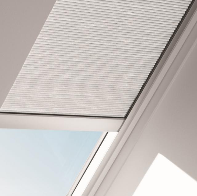 velux fsch c06 1155s solar powered lightblock skylight blind shade beige  pleated