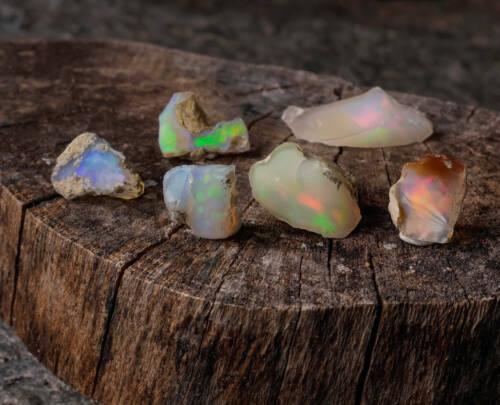 Raw OPAL AA Grade Small Stones 5 or 25g Lot E0088